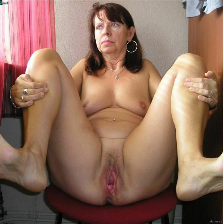 Amateure Grossmutter Nackte Cumshot