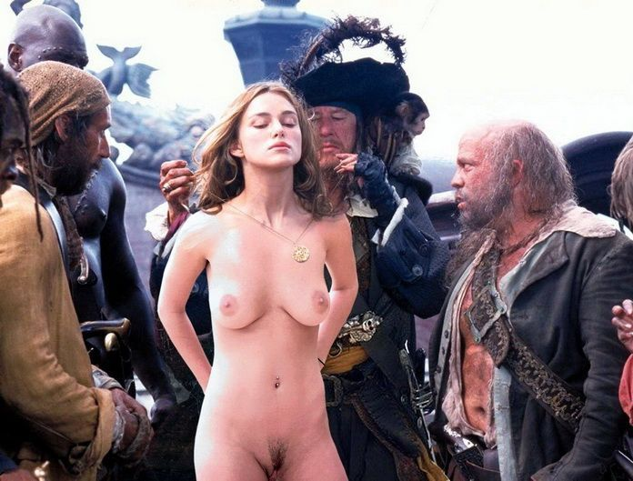 Голая девушка среди грязных пиратов. эротическое фото из фильма Пираты Кари