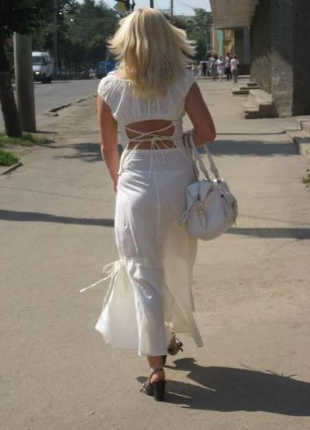 фото девушки в прозрачном и обтягивающем