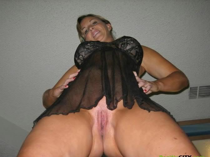 Сексапильная 40 летняя домохазяйка голышом, частные интимные фото Порно фот